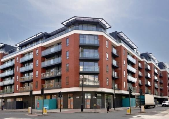 Stunning 2 Double Bedroom Apartment Situated In a Modern Development With On-site Porter