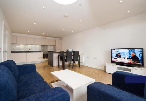 Lovely and Spacious 2 Bedroom Apartment Available to Let in E14 - New Festival Quarted
