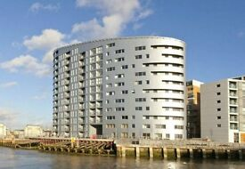 PENTHOUSE FLAT !! SURREY QUAYS - SE16 / AVAILABLE MID JANUARY - 3 BEDROOMS 2 BATHROOM FLAT