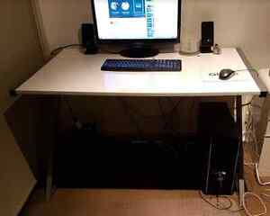 Computer desk Z-Shaped White South Yarra Stonnington Area Preview