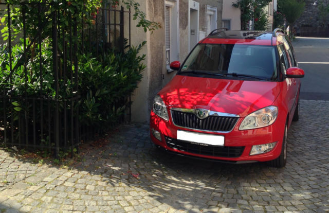 skoda roomster 1 6 tdi dpf plus edition camper in baden. Black Bedroom Furniture Sets. Home Design Ideas