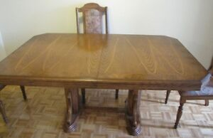 Large sturdy dining room table for sale with leaf - 300 OBO