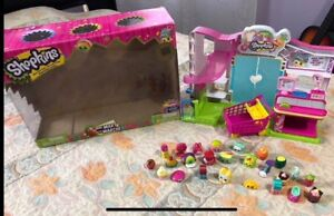 Shopkins Small Mart with Over 25 Characters