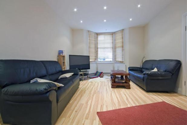 Stunning 2 bedroom split-level flat in Battersea
