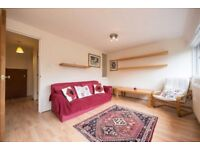 !!! MASSIVE 2 BED DUPLEX APARTMENT IN FANTASTIC LOCATION WITH BALCONY AND UNDERGROUND PARKING !!!