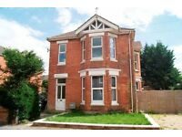 **STUDENT PROPERTY** FURNISHED 3 BEDROOM FIRST FLOOR FLAT SITUATED IN CHARMINSTER