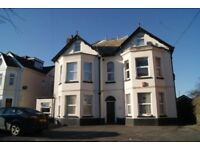 UNFURNISHED 1 BEDROOM TOP FLOOR FLAT WITH PARKING CLOSE TO BOSCOMBE PIER & HIGH STREET
