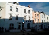 RECENTLY REFURBISHED UNFURNISHED 1 BEDROOM GROUND FLOOR FLAT SITUATED IN THE TOWN CENTRE