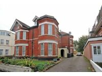 MODERN UNFURNISHED 1 BEDROOM TOP FLOOR FLAT SITUATED CLOSE TO BOSCOMBE PIER & HIGH STREET