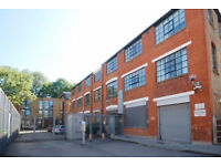 Gorgeous one bedroom apartment in a warehouse conversion behind beautiful clissold park N16.