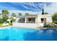 LS603. Pretty and cheerful villa for 6 persons Albufeira, on the Algarve, Portugal.