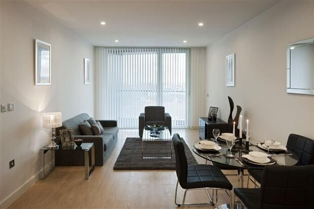 Luxury 2 BED 2 BATH NEWGATE TOWER CROYDON CRO WEST/EAST CROYDON SELHURST WADDON PURLEY WAY