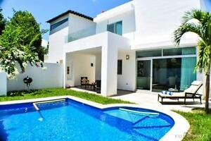 Incredible House in a gated and quiet residential  area, PdC Méx