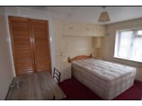 2 bedroom flat in Stuart Crescent, Hayes, UB3