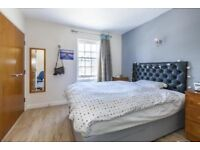 Spacious 4 Bedroom House With 2 Bathroom. Close To Woolwich Royal Arsenal Station & Buses.SE18