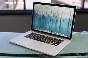 "Apple Macbook Pro 15"" Retina - Core i7 Quad Core 2.2 GHz - 16 GB RAM - 256 GB SSD - 2880x1800 Iris Pro 1536 MB Graphics"