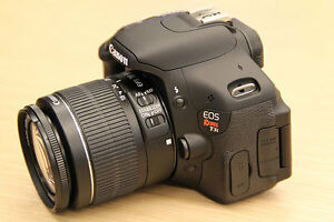 mint condition Canon EOS Rebel T3i/600D DSLR camera