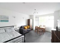 ALL BILLS INCLUDED - SUPERB 3 DOUBLE BEDROOM APARTMENT MOMENTS FROM CALEDONIAN ROAD UNDERGROUND