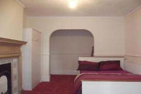 Good size double bedroom in a newly refurbished Edwardian house with high speed internet connection.