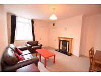 Room to let in 3 bedroom flat in heaton Newcastle...zero fee applied