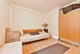 *******CALLING ALL STUDENTS!! JUST REDUCED FOR QUICK LET- CHEAPEST 1/2 BED IN HOLBORN!!