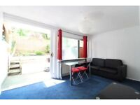 NEWLY DECORATED 4 DOUBLE BEDROOM HOUSE W/ GARDEN BY CAMDEN RD - PERFECT FOR STUDENTS / SHARERS