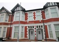 TO LET - 6 BEDROOM HOUSE!! IDEAL FOR COMPANY LET/GROUP OF PROFESSIONALS or STUDENTS