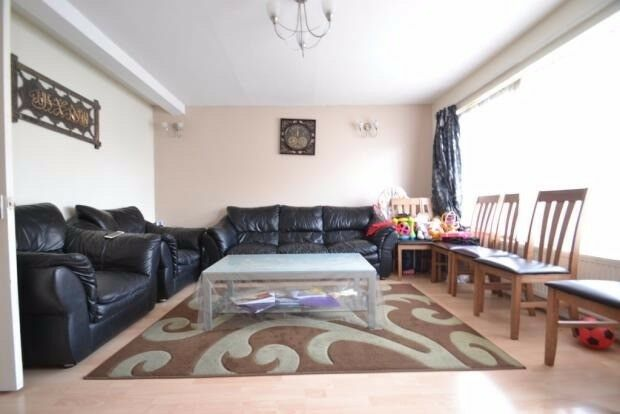 Spacious 3 Bedroom Property for Rent in Ilford- Manor Park - E12