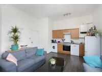 SPACIOUS 2 DOUBLE BEDROOM APARTMENT LOCATED MOMENTS FROM KENTISH TOWN UNDERGROUND STATION