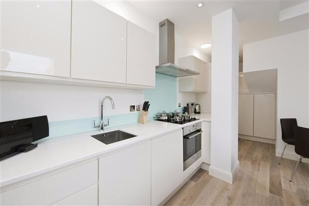 DONT MISS OUT! -Split Level 1 Bedromm Apartment SW11 - Furnished in Clapham Junction/ Battersea