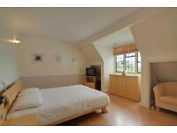 Mordern fitted 2Bedroom Flat in H/weald Private residential area HA3