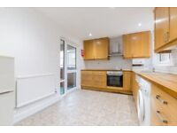 SPACIOUS 4 DOUBLE BEDROOM APARTMENT ON CAMDEN SQUARE - PERFECT FOR UCL, RVC & CSM STUDENTS