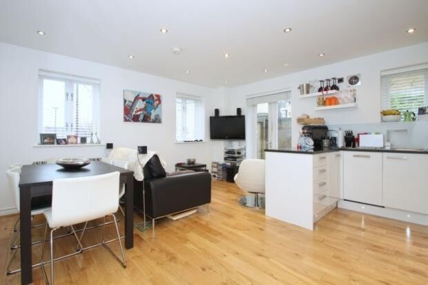 2 bedroom flat in Chatsworth House Wesley Avenue, London, E16