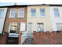 Modern 2 Bed House - Ideal Location on Milton Road