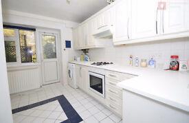Spacious 3 Bed Ground Floor Flat on Rivenhall Gardens + Garden - South Woodford E18 2BU - Call Now!