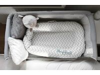 Chicco next to me silver grey plus x 2 fitted sheets