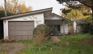 3 Bedroom Rancher! Great for investment