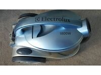 Electrolux Cleaner 1800 W - Bagless
