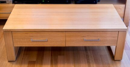TASMANIAN OAK SOLID TIMBER LIGHT CONTEMPORARY STYLE COFFEE TABLE Carlton North Melbourne City Preview
