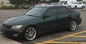 2001 Lexus IS Sedan