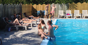 PROM or WEDDING PARTY, GRAND BEND COTTAGE, HEATED POOL, BBQ