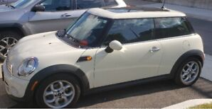 2013 VERY LOW MILEAGE MINI COOPER HARDTOP FOR SALE BY DEALER...