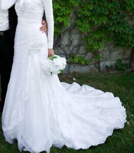 NEW PRICE Lace & Tulle A-Line Davids Bridal Dress