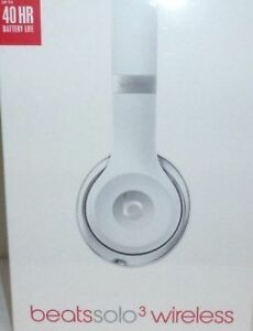 Like New in Box Wireless Beats Solo 3 Bluetooth Headphones