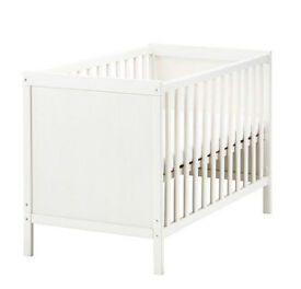 Cot with John Lewis Matress, bumper and waterproof protectors and blankets
