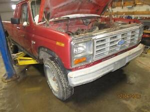 parting 85 Ford F250 ext cab 2WD
