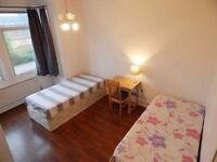 BED in a shared room PERFECT for students - bills included COSY house, ZONE 2, 24h tube on weekend