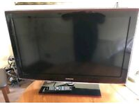 Samsung 37 Inch TV LCD HD With Remote In Excellent Condition