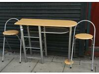 Breakfast bar 2 stools