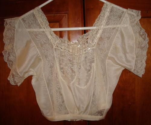 1800 Vintage Clothing